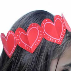 幼儿园用卡纸手工制作爱心头饰的做法教程