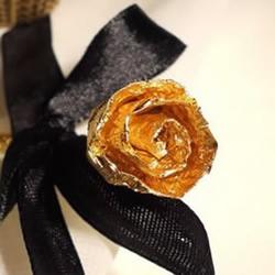 巧克力包装纸手工制作金色玫瑰花的做法教程