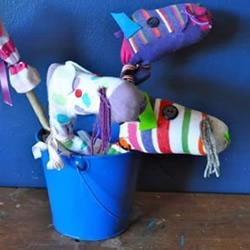 幼儿用袜子手工制作小马玩具的做法教程
