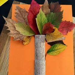 幼儿园用树叶手工制作大树贴画的做法教程