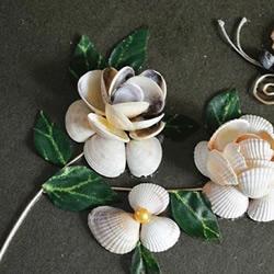 贝壳手工制作花朵装饰画的做法教程