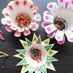���c�手工:好玩又好看�杯��花的制作方法