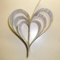 旧书手工制作立体爱心装饰的做法教程