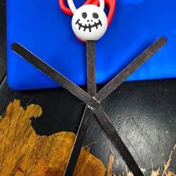自制万圣节骷髅小人挂饰的方法图解教程