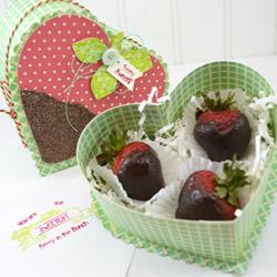 自制草莓盖爱心盒的方法图解教程