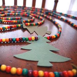 简单串珠手工制作圣诞节装饰的做法教程