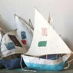 不要纸盒废物利用手工制作帆船模型的做法