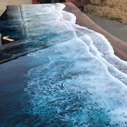 木材和树脂的创意结合!潮汐般的海岸桌子