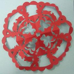 春节团花剪纸的折叠方法和剪纸方法图解