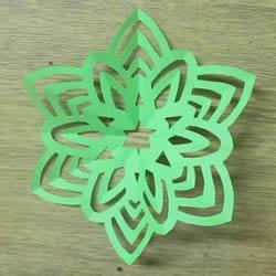 手工六折团花的剪纸方法图解教程