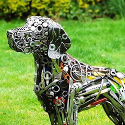 螺栓等废金属再利用 制作真人大小动物雕塑
