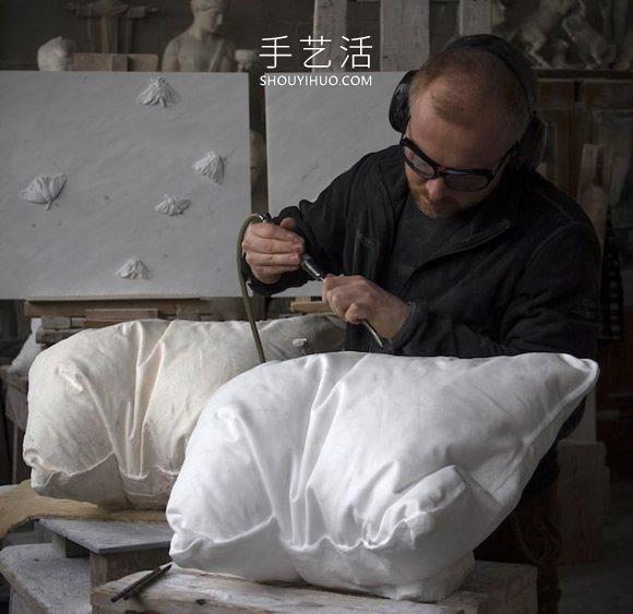 大理石�K雕刻成白色枕�^ �в凶匀获捱@�不�j��渥���皇初期�! -  www.shouyihuo.com