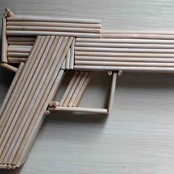 竹棒手工制作沙漠之鹰手枪模型的做法教程