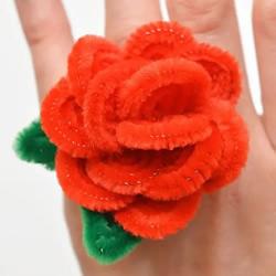 扭扭棒玫瑰花戒指的制作过程步骤图