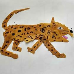 用树叶粘贴一只豹子怎么做的教程