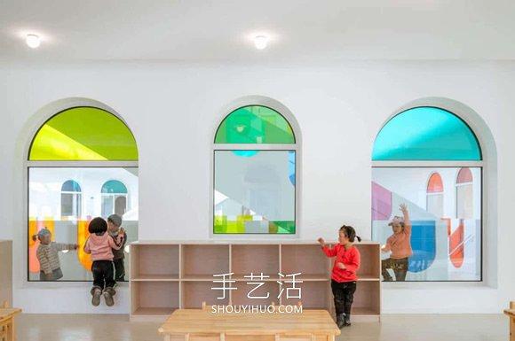 彩虹玻璃�⑦@��幼��@�成彩色的�f花筒 -  www.shouyihuo.com