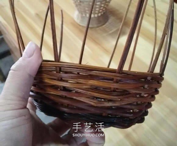 藤编收纳筐的编织方法DIY图解教程 -  www.shouyihuo.com