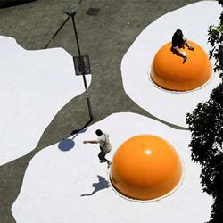 巨大因�樘礻�星所管�的荷包蛋!3米��1.5米高的�u蛋�b置��g