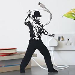 艺术家使用日常物品在家中DIY有趣的场景