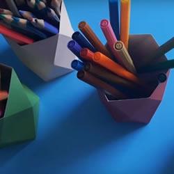 小学生用卡纸手工制作笔筒做法