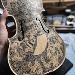 华丽的水墨画DIY,将弦乐器转换成精美故事书