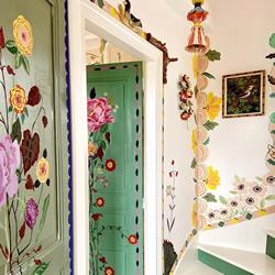 这位艺术家的手绘,让别墅仿佛变成童话小屋