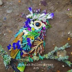 在森林中搜寻花朵和叶子,创作出精美鸟类肖像
