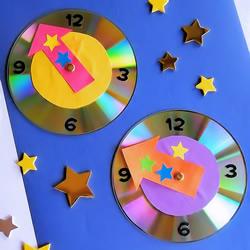旧CD光盘手工制作新年倒计时钟表