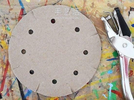 硬纸板手工制作冬天毛线花边雪花的方法教程 -  www.shouyihuo.com
